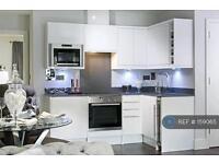 1 bedroom flat in West Byfleet, Woking, KT14 (1 bed)