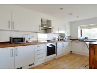 Spacious 4 bed flat Hmo company let welcome
