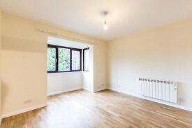 Newly Refurbished 2 Bedroom 2nd Floor Flat in Lambert Court