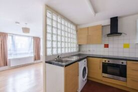 Stunning 1 bedroom flat with private front garden.3 MINS WALK TO (ZONE 2) QUEENS RD PECKHAM STATION