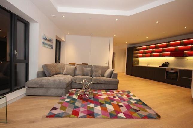 Oppida Estates presents this luxury 3 bed 2 bathroom apartment in City Island.