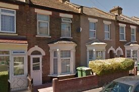 3 bedroom house* E7 * available now * part DSS welcome
