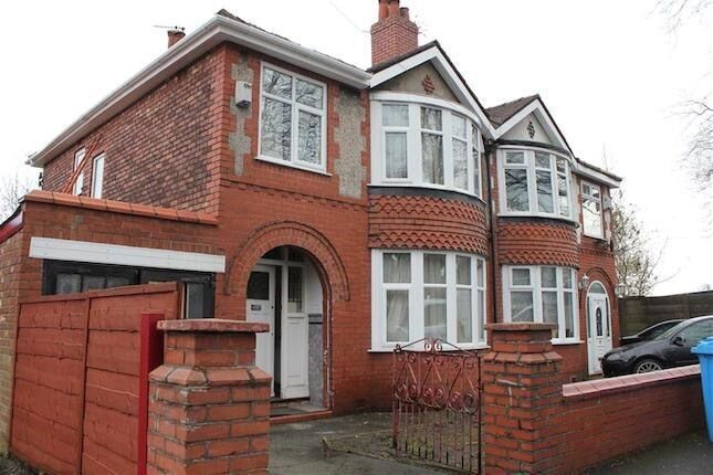 3 Bed house, close to all amenities, city centre University, transport, schools, Parking.