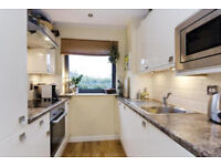 Modern and spacious 2 bed 2 bath in Tottenham ideal for sharers