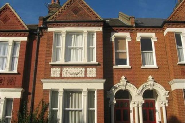Large 3 Bed Flat - Clapham South