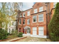 Large 2 Bedroom Flat in Red Brick Conversion in South Hampstead