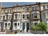 1 Double Bedroom Flat, Victorian Conversion , SW8,