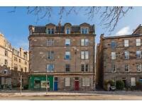 4 bedroom flat in Hope Park Crescent, Newington, Edinburgh, EH8 9NA