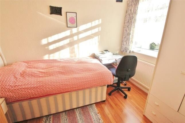 Small double room in Barnet