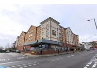 Superb Modern Two Double Bedrooms & Two Bathrooms Flat with Parking , Easy Access to Ealing BRDW