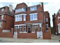 SW16 BRAND NEW4 DOUBLEl BED 2 BATH HOUSE WITH PRIVATE GARDEN AVAILABLE LATE AUGUST ONLY £540PW