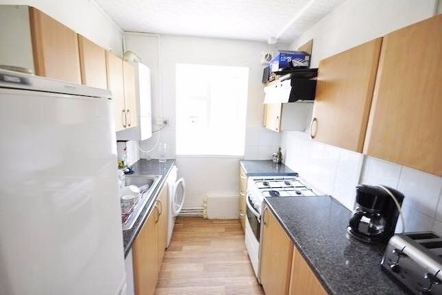 Newly refurbished 2 double bed flat with big kitchen and separate living room(can be used as bedroom