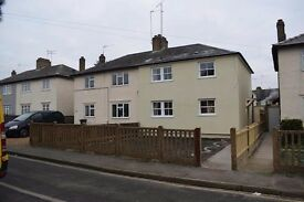 Brand new 5 double bedroom modern house available to rent on clayton crescent
