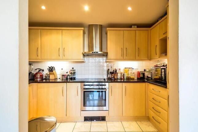Two Bedroom Flat in Seven Kings and Newbury park