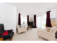 Beautiful 1 bedroom flat, all bills included. Shared main kitchen.