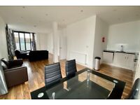 2 BED/PENTHOUSE APARTMENT/WOOD FLOORS/PRIVATE WRAP-AROUND TERRACE/EXCELLENT LOCATION/VERY SPACIOUS