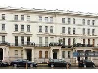 1 bedroom flat in Warwick Avenue, London, W9 (1 bed)