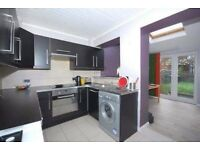 EN-SUITE DOUBLE ROOM-Communal Garden-Very close to Northern Line-Call today!!