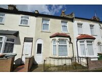 **Amazing three bedroom house in Eastham E6 Oakfield road**