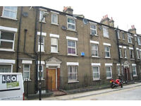Elephant and Castle. Large & Modern Newly Redecorated 1-2 Bed Furnished Flat on Quiet Street