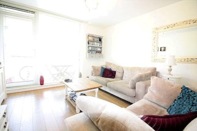 LUXURY 2 BED PRINTERS MEWS E3 VICTORIA PARK BOW OLD FORD HACKNEY WICK BETHNAL GREEN CANARY WHARF