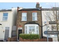 2 bedroom house in Norman Road, London, SW19 (2 bed)
