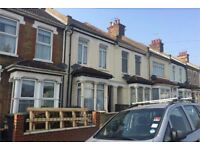 3 Bedroom terraced house to rent with Garage