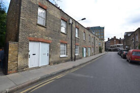 Bright & spacious 1 bed maisonette in Bricklane only 10 min to Aldgate & whitechapel Station!