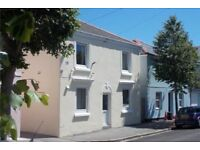Short term let: fully-furnished 2-bed central Falmouth