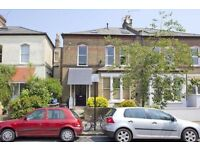 Studio apartment situated in a well maintained Victorian building, Finsbury Park, N4