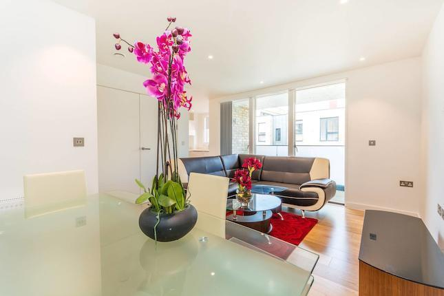 Large Studio in South Hampstead Nw6 - Couples Welcome