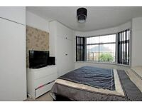 Double Room Available -Drive/Garden/Views - Plymouth Central Location – ALL Bills Included £395/mth.