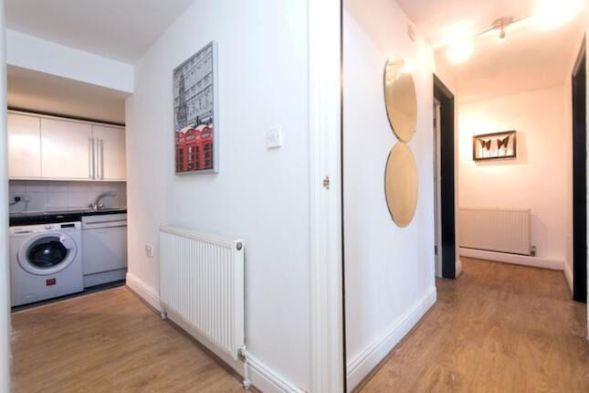 One bed apartment moments from Brick Lane ... must take it !!!