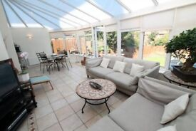 3 bed semi-detached House with Garage in Stoneygate close to amenities