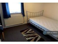 2 bedroom house in Hounslow, Hounslow, TW3 (2 bed)