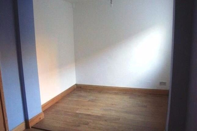 good size room in greenwich