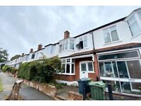 SPACIOUS/NEWLY PAINTED/4BED/TERRACED HOUSE/PRIVATE GARDEN/CLAPHAM SOUTH