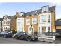 2 bedroom flat in James House, London, SW11 (2 bed) (#570184)