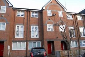 6 bed student townhouse for rent £80pppw in Withington, Manchester