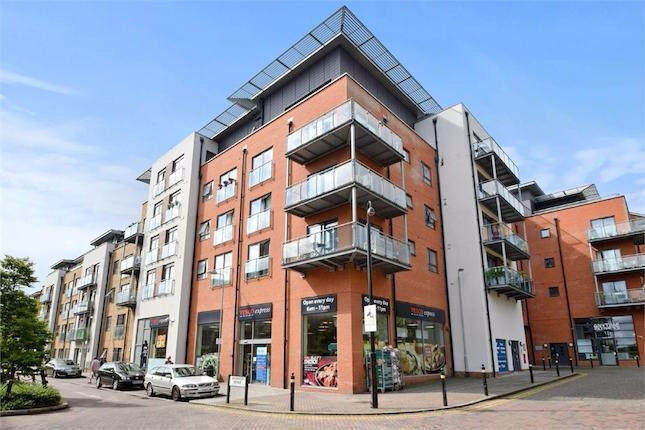Hither Green SE13. Completely Redecorated 2 Bed 2 Bath Furnished Flat with Balcony in New Build