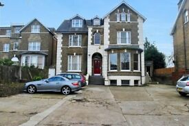 Refurbished 2 Double Bedroom Victorian Flat. Within 5-10 mins walk to Lee & Kidbrooke stations.