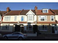 A spacious 3 bedroom house, located in Tooting