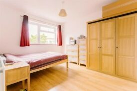 Very spacious and bright double bedroom in HACKNEY! Call Now!