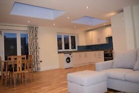 Two furnished double rooms left in modern latge house share on clayton crescent