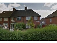 Amazing very spacious three/four bedroom house in Dagenham, RM9