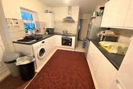 Spacious 5 bed house in Upton Park