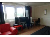 Excellent 2 or 3 bedroom flat in Hoxton N1