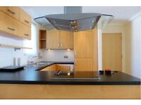 2 Bed Spacious furnished Flat next to Brighton Train Station available for rent!
