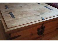 Coffee table/ storage box