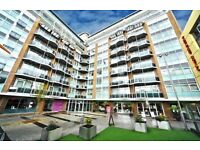 GERRY RAFFLES GREAT LARGE 2 DOUBLE BED FLAT WITH ENSUITE 1 MIN FROM STRATFORD INTERNATIONAL